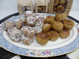 1/2 lb WAX CINNAMON BUNS FAKE FOOD  SCENTED TARTS CANDLE MA