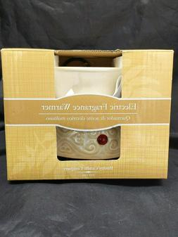 Hosley Cream Ceramic Fragrance Candle Wax Warmer. Ideal for
