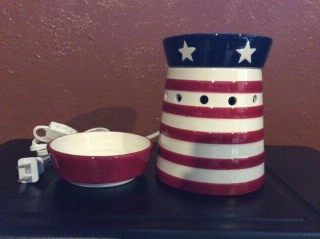 """2010 Scentsy Warmer """" Candy NEW"""
