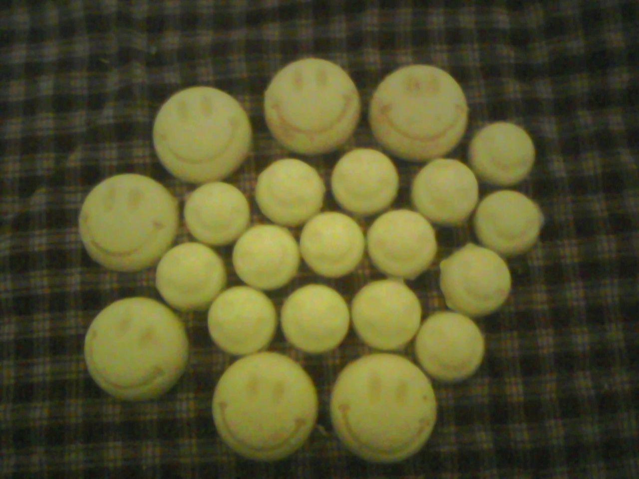 22 WAX SMILEY FACE TART/MELTS 8OZ. CUSTOM SCENT, DETAILED FA