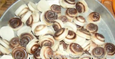 PARASOY.36 SMALL CINNAMON BUN  WAX CANDLE TARTS/MELTS LOT/ Y