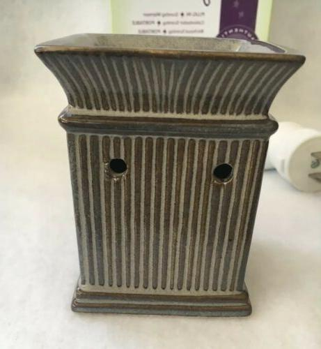 Scentsy JANE Plug-in warmer *New/Never Used*
