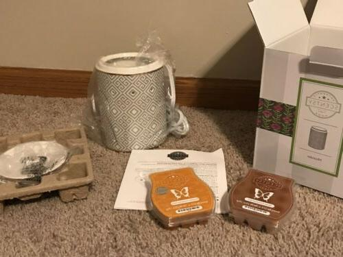 Meander Scentsy Full In +Hand
