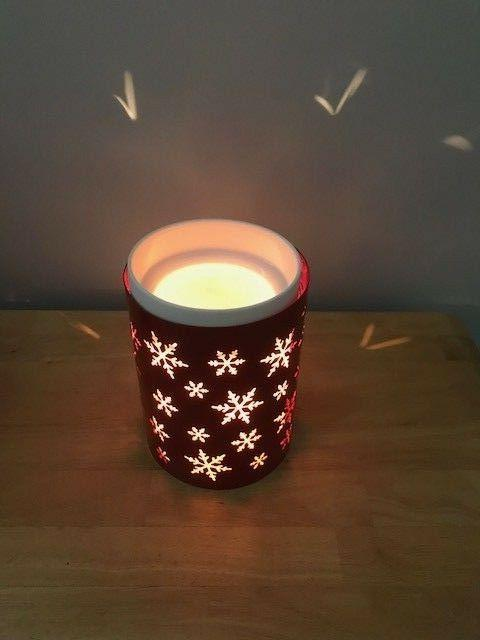 Scentsy Wrap, Red snowflakes In Box