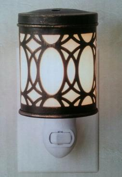 ScentSationals Mirror Mirror Plug-In Wall Wax Warmer Nightli